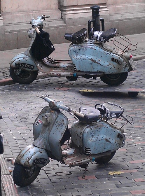 --- Moped